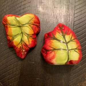 Other - Hugging leaves salt and pepper shakers